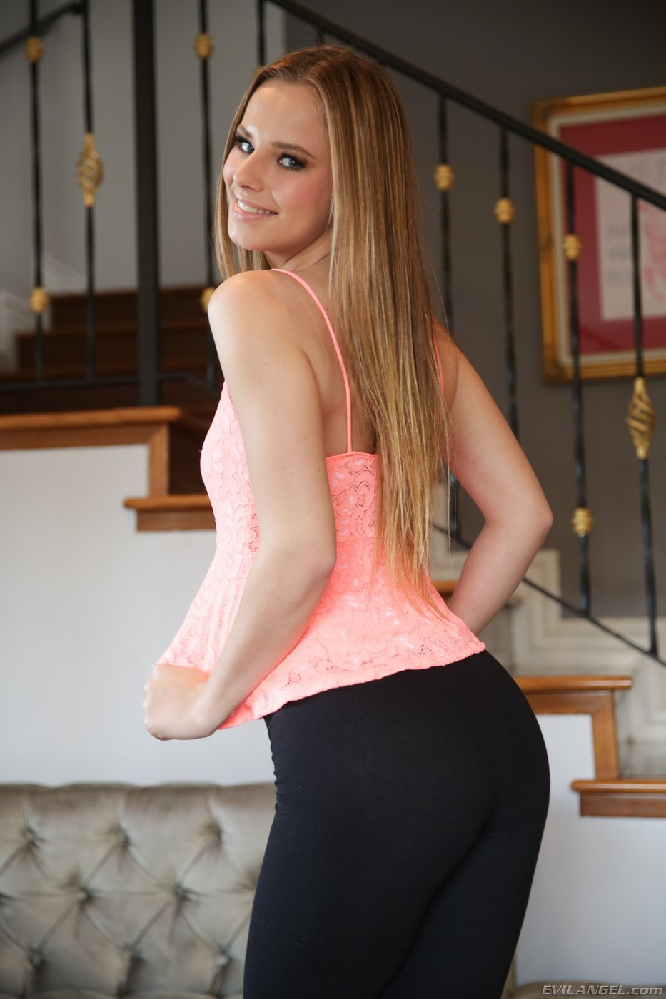 Blonde bombshell Jillian Janson gets on her knees in sexy lingerie for BBC № 166016 без смс