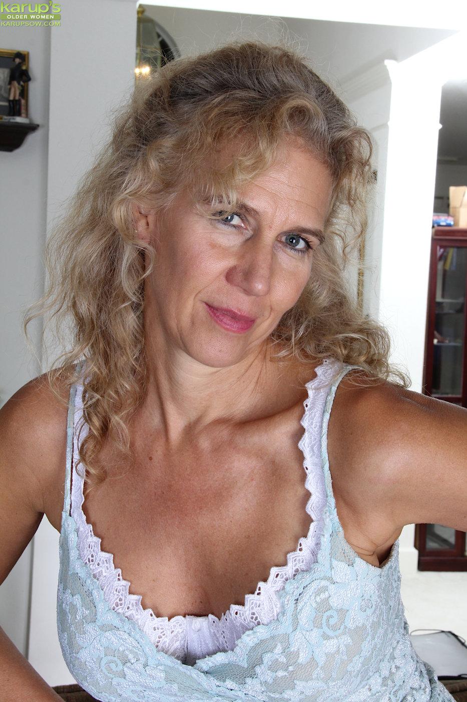 Blonde Milf Fucks Daughters Bf