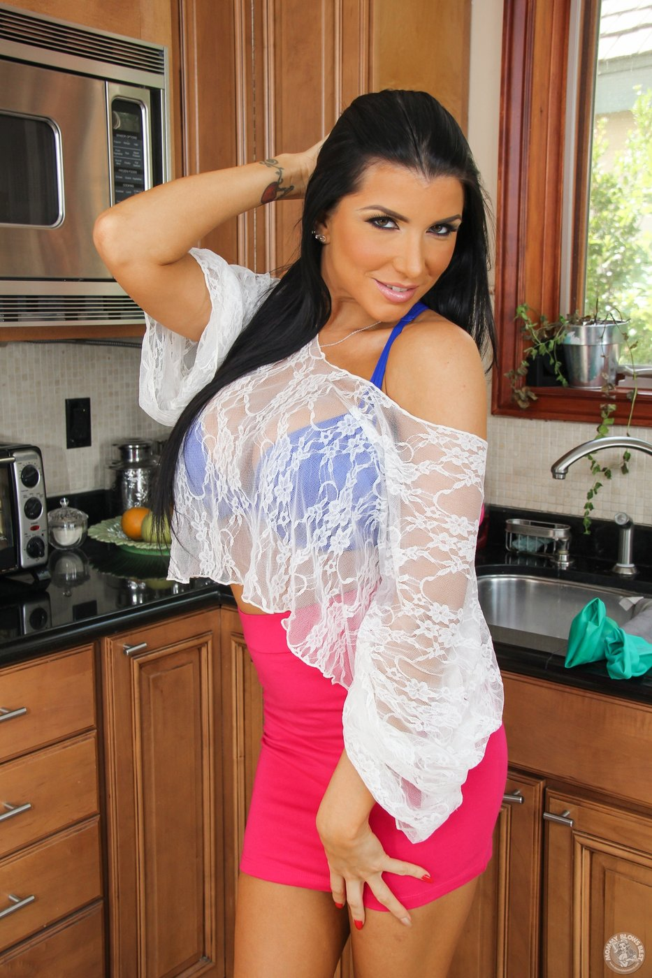 Tight pink skirt and blue lingerie brunette MILF gets naked in the ...