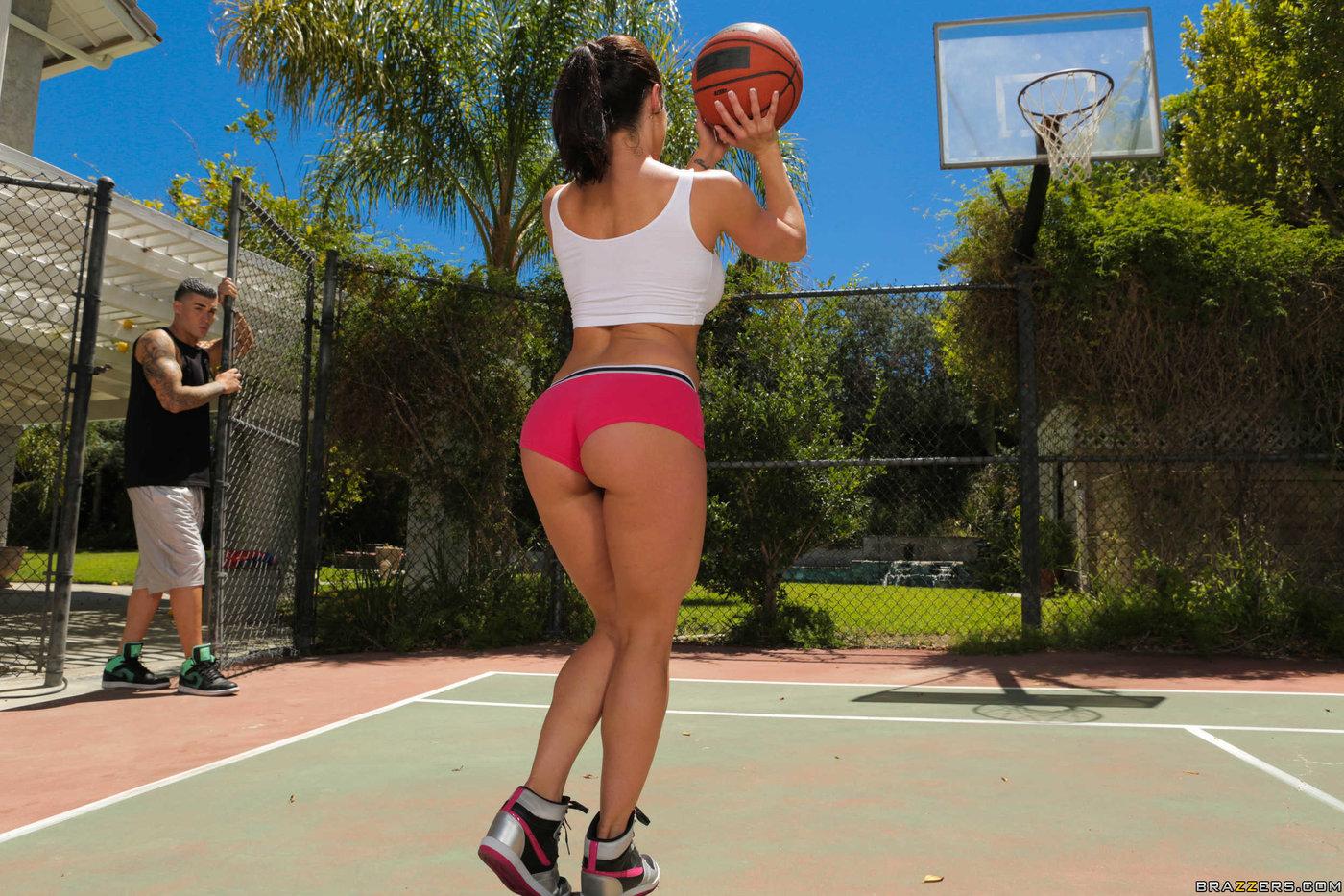 Women basketball players nude