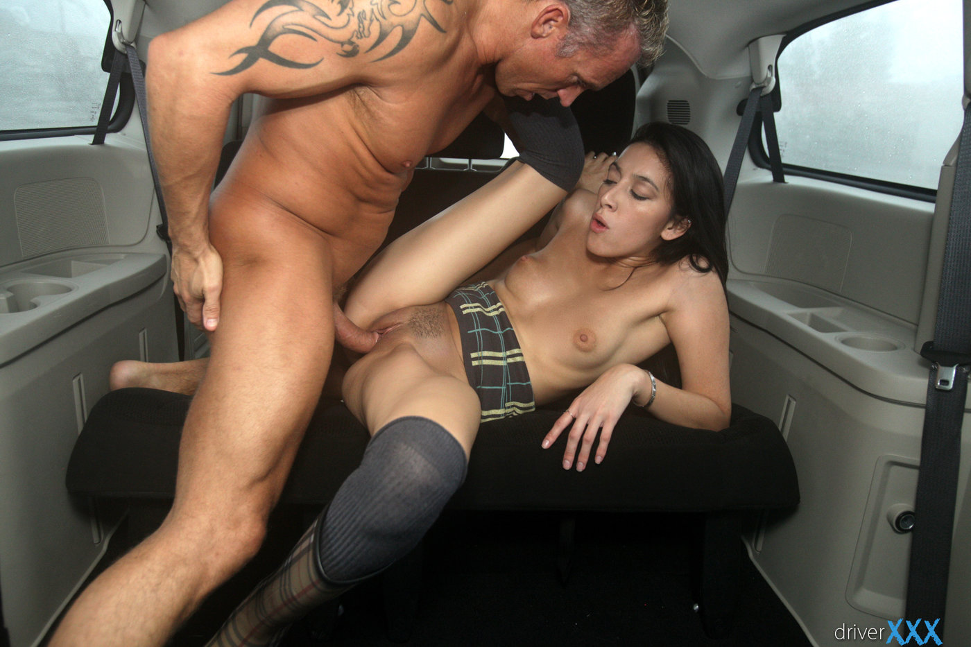 Kombat getting fucked in the back seat big cock indian