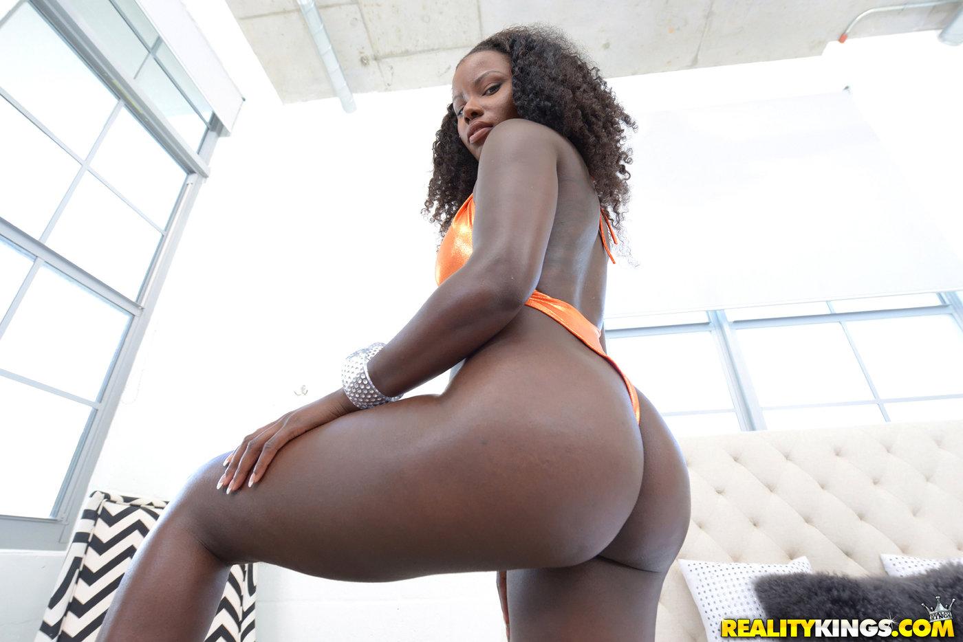 Ebony Girl Fucks White Cock