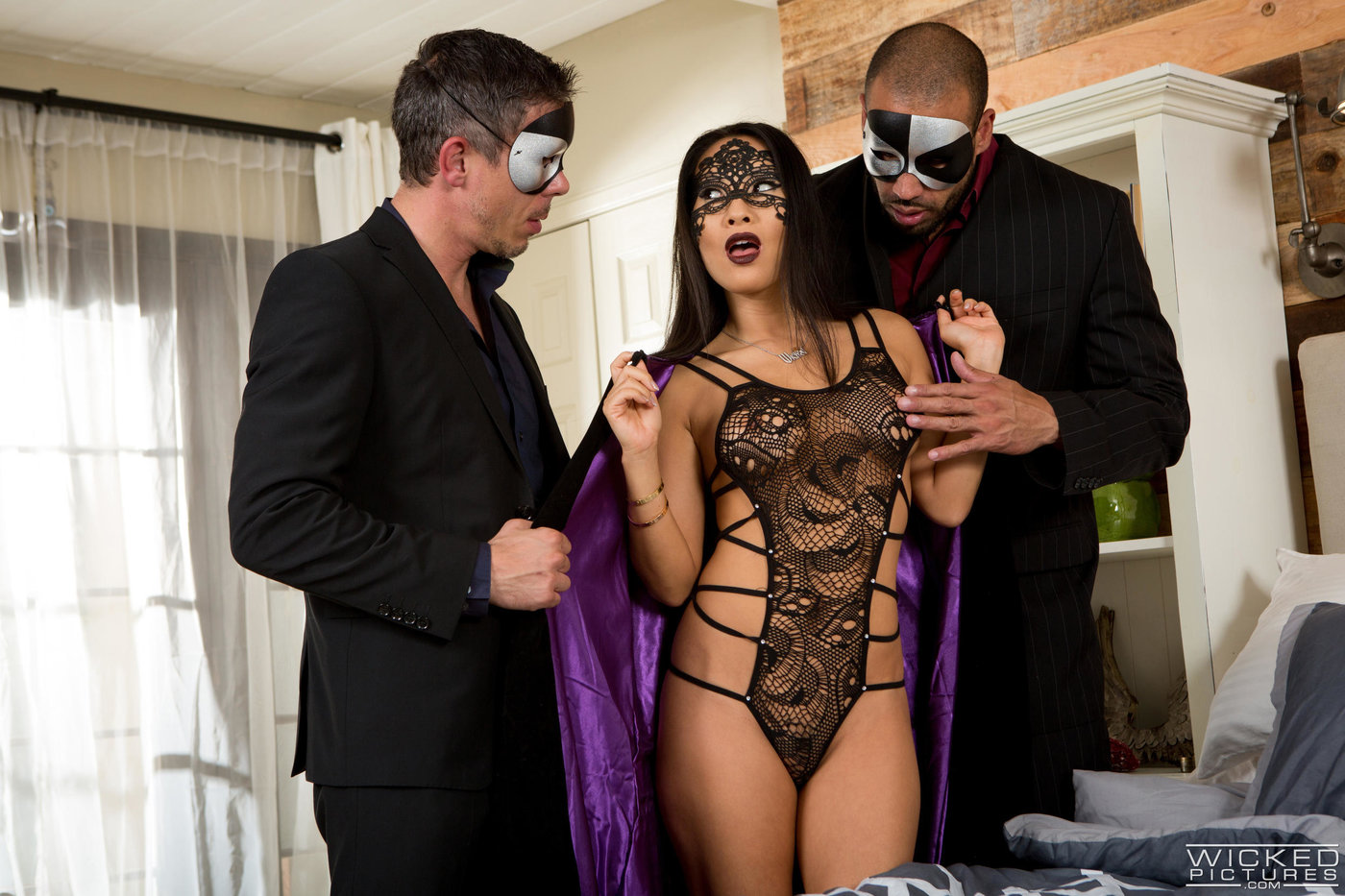 Mask-wearing Asian brunette gets spit-roasted by two hung dudes