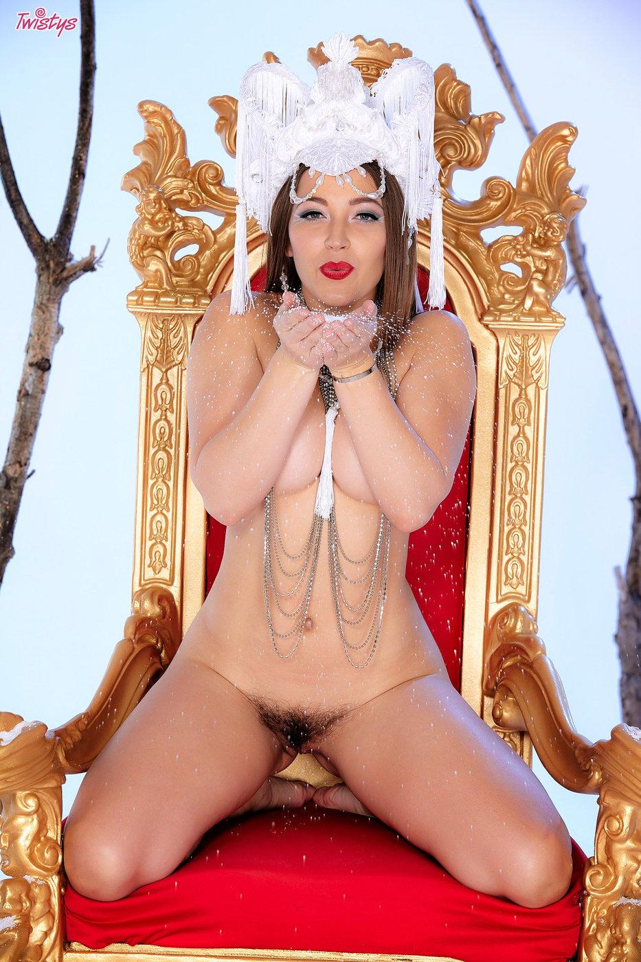 Nude alyson queen nude showers toronto