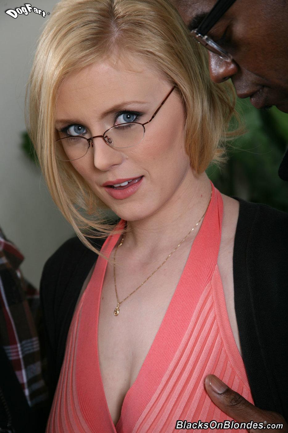 Pov Blonde Short Hair Amateur