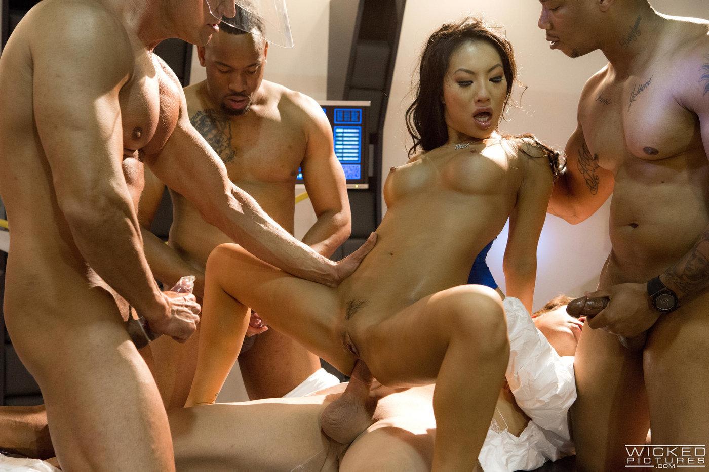 азиаток толпой порно онлайн реально
