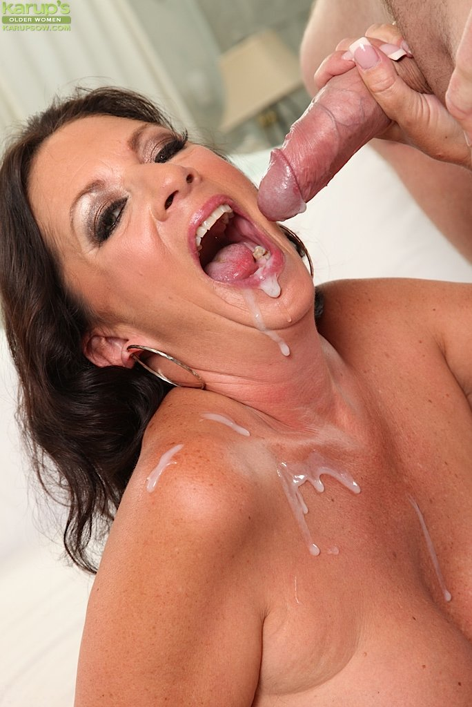 Daisy Marie is pounded in the locker room by her coach