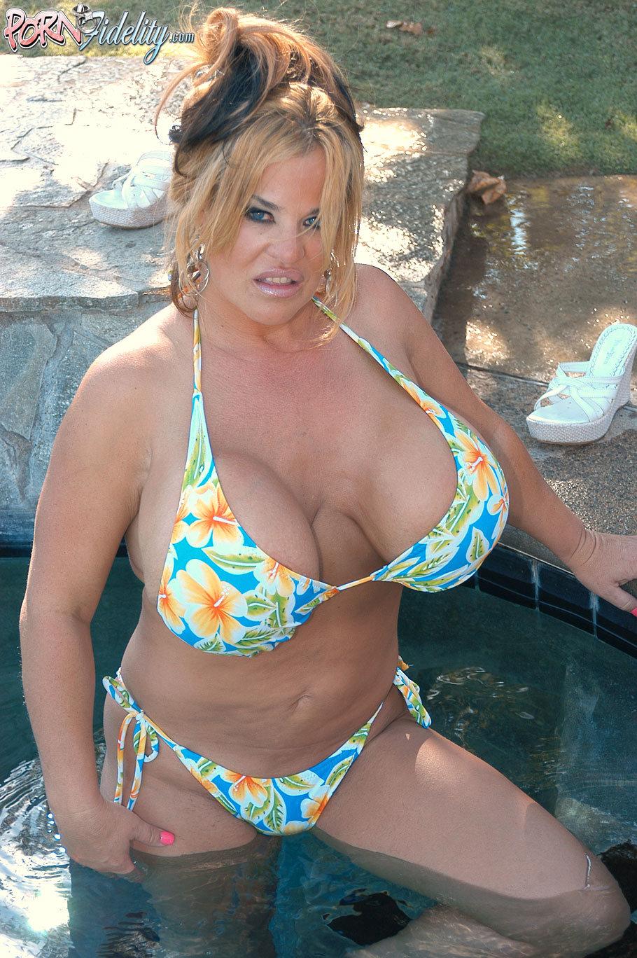Sexy porno nude pretty girls vagina