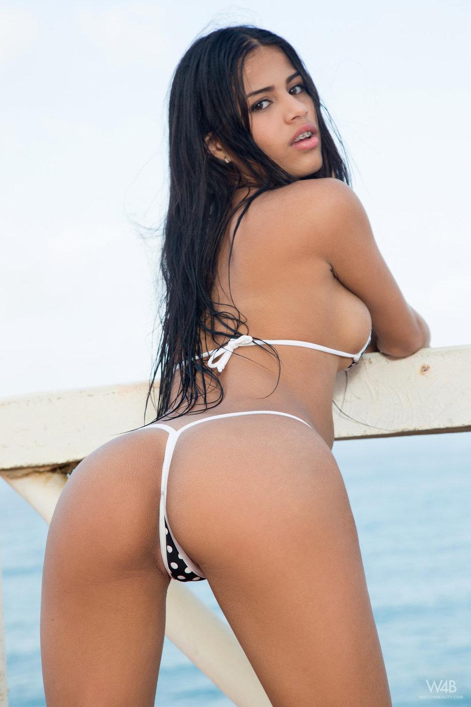 Latina bikini pussy