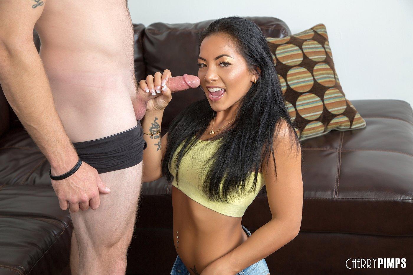 Clip hot nude video