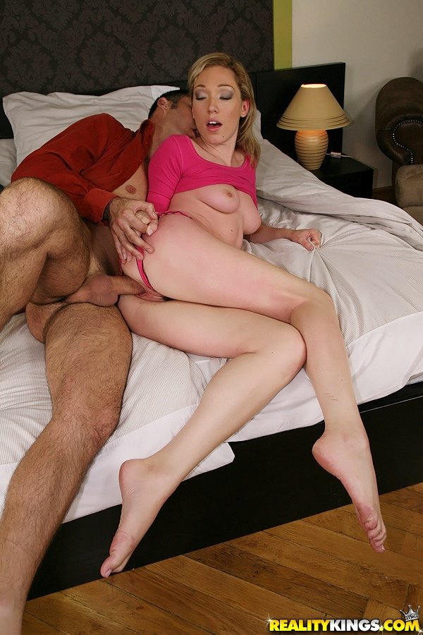 Pink get-up and tight jeans blonde gets banged sideways on a bed