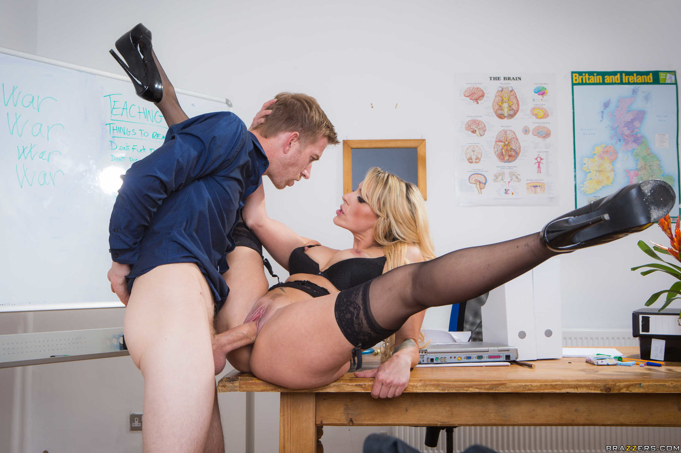 Teacher fucks blonde slut, asian eel ass