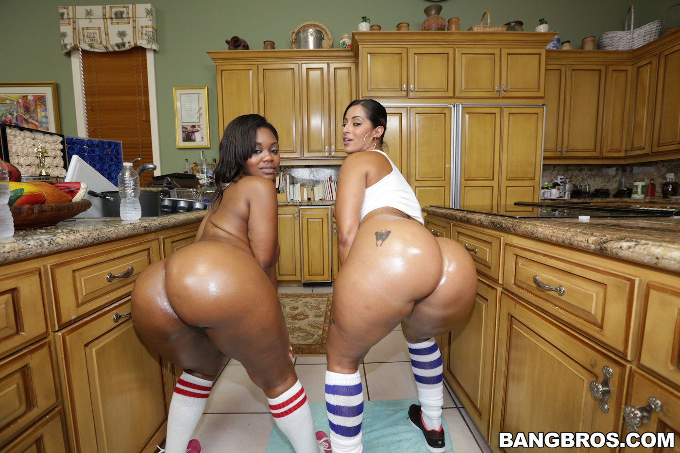 Ebony Lesbians The Couch