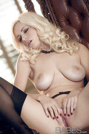 Danielle Trixie In Stockings Twistys SpankBang 1